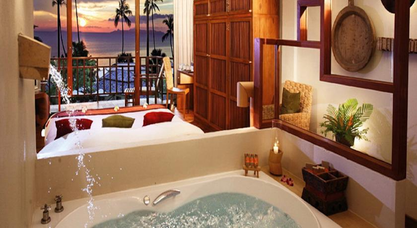 the-sunset-beach-resort-&-spa-taling-ngam